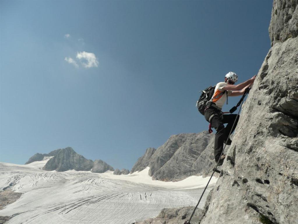 Klettersteig Dachstein : Schulteranstieg hoher dachstein klettersteig gbl